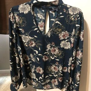 Tops - Floral long sleeved top